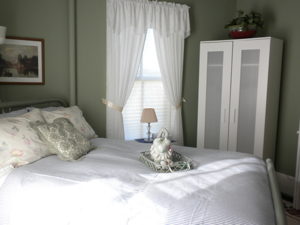 country bed breakfast room rates and amenities